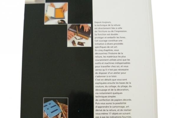 encadernacao-brochura-com-capa-personalizada-led-encadernadora7517734B-9324-96F4-4F24-A8C99AFA9E1F.jpg